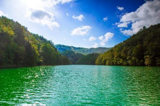 lake-fontana